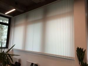 Lamellenvorhang für Büro in Berlin Kreuzberg montiert